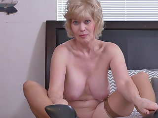 Ballbusting Granny Sindee Dix with big saggy tits and wet holes