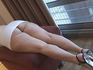 Flashing Busty mature Mrs Robinson teasing ass and pussy show
