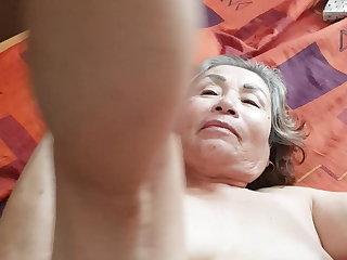 Sex Toys LECHAZO EN LA CARA DE MI ABUELA