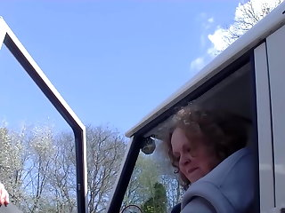 BBW Amateur mature mom gets gangbang