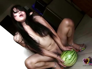 Ecuador Vitress Tamayo has a watermelon fetish