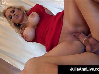 Orgy Hot Mature Mommy Julia Ann Gets 2 Cocks & 2 Loads Of Cum!