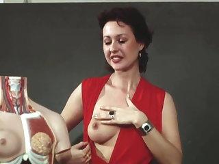 JANE BAKER BRIGITTE LAHAIE....(1982) Part 1 in Julchen Und Brigitte Lahaie