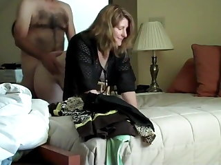 Mom Sexy mature wife in real homemade video