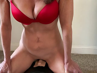 Sybian Wifey Rides Her Sybian on Valentine's Day
