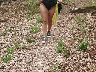 Flashing Big French bitch waits for the men in the forest
